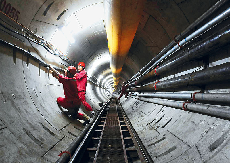 Completed tunnel for a gas pipeline underneath the Qiantang River in China, AVND3080AH, Ø 3,780 mm