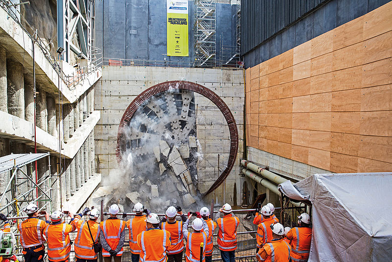 "Breakthrough by TBM ""Alice"" for the Waterview Connection project in Auckland, EPB Shield, Ø 14,410 mm"